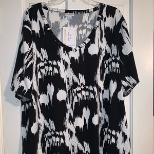 NWT LulaRoe Creepin It Real Iris Top Shirt 2X